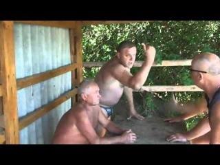 Пьяный крымский гаишник про казаков