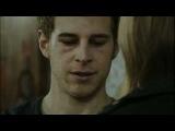 Luna, el misterio de Calenda - Leire besa a Joel y este frena sus instintos
