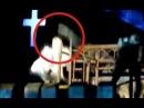 Lady Gaga colpita da un'asta di ferro in testa durante il concerto