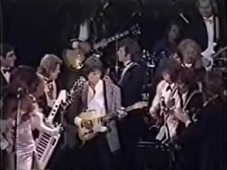 George Harrison, Ringo Starr, Mick Jagger, Bruce Springsteen, Billy Joel, Jeff beck, Bob Dylan, John Fogerty     I Saw her standing there ,  Rock' n Roll Hall of Fame, Waldorf Astoria Hotel, New York 1988