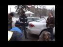 В защиту политзаключенных на Ставропольщине активисты перекрасили флаг России в черно красный цвет