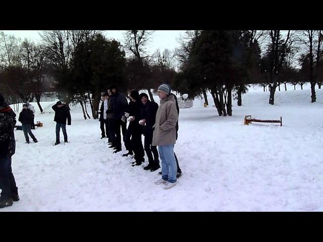 Сніжкове побоїще 4 - Лаваналаву хлопці