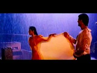 Hot Raveena Tandon in Mohra - Tip Tip Barsa Pani (Love in Rain)