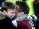 Roma Genoa 3 1 Totti festeggia il record con i figli...Sei forte papa'