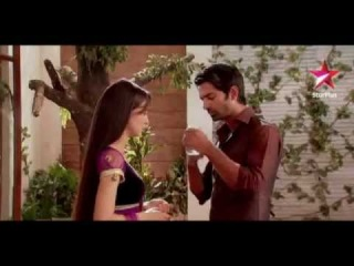 Arnav & Khushi - Love Scene 342 - A flirts with K