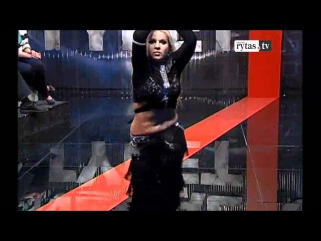 Renata Palionis (Leila) laidoje Negaliu tyleti sušoko tango pilvo šokį