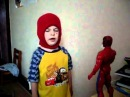 мальчик-тапок vs человек-паук