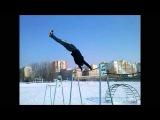 Exercises on the bar (Rustam Shakurov)