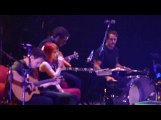Paramore - Misguided Ghosts (Honda Civic Tour - Grand Prairie, TX - 9-10-10)
