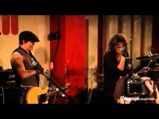 Johnny Depp plays guitar for Alice Cooper