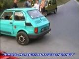 Машина с 2 рулями (Fiat 126) =)