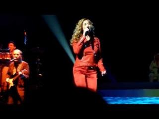 Lara Fabian - Babacar (extrait 1) Zenith Montpellier 17/12/09