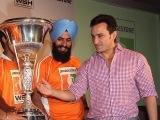 Saif Ali Khan supports hockey