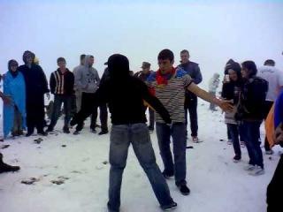 Армянский танец Ярхушта на горе Арагац. Армения.