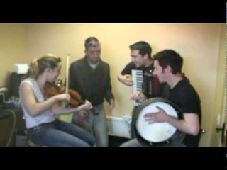 irish hip hop (gaeilge) rap jam featuring bubba shakespeare in donegal with trad musicians