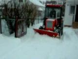 т 25 чистит снег в губкине (снимал сам)