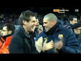 Lionel Messi ofreciendo el 4to Balón de oro a la afición del Barça