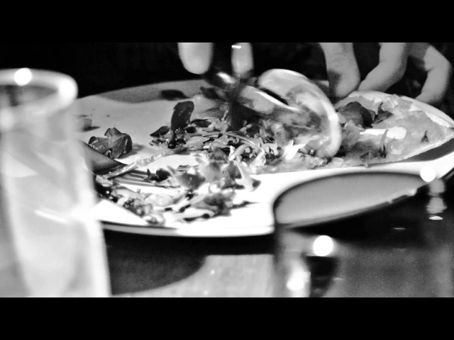 VFNO 2012 London: PullBear On-Tour presents Dog is Dead