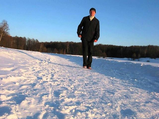 Упражнения для согрева пальцев ног .( Босиком по снегу )