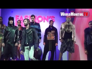 Kendall Jenner, Lucy Hale, Kylie Jenner loving ripped Male Model at Fashion's Night Out