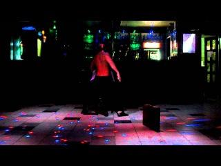 Мужской стриптиз в ночном клубе