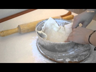 Куриный пирог со слоеным тестом