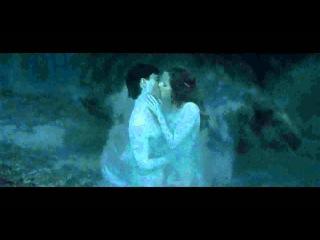 Поцелуй Гарри и Гермионы. Harry Potter and the Deathly Hallows Part 1