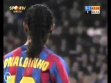 Один из красивейших моментов в футболе! Сантьяго Бернабеу аплодирует Рональдиньо