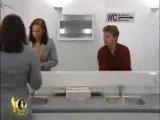Broma con un espejo falso