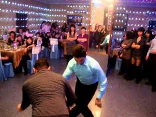 Кара жорга - казахский ритуальный танец на свадьбе