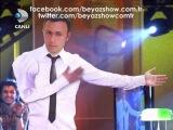 Beyazın Mustafa Sandala Sürpriz Hediyesi ( Musti Şok Oldu ) Beyaz Show 5 Ekim 2012