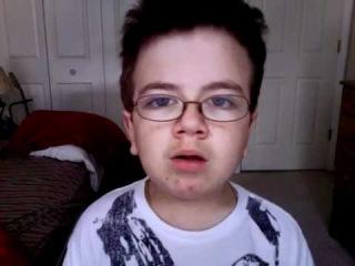 Un enfant bizarre chante du Katy Perry, scan-anime.com