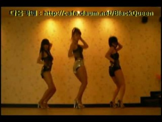 Korean girls dancing to beyonce - single ladies