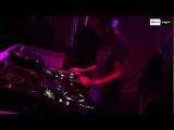 Dario Nunez &amp DJ Neil Feat. Clarence - Waiting For