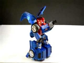 Робот трансформер  шикарная игрушка!