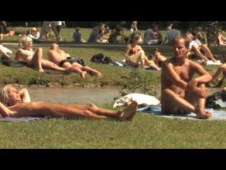 "FKK im Stadtpark: Die ""Nackerten"