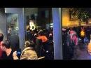 Policía entra en bar de Atocha, Madrid