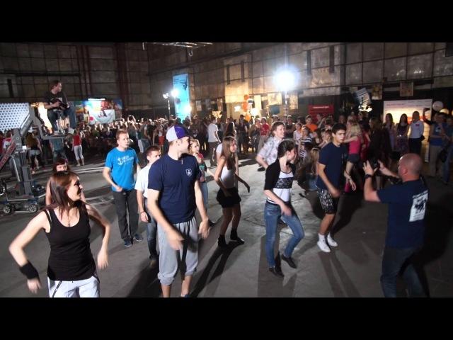 Танцевальный флэшмоб на киностудии 19.05.12 HD1080