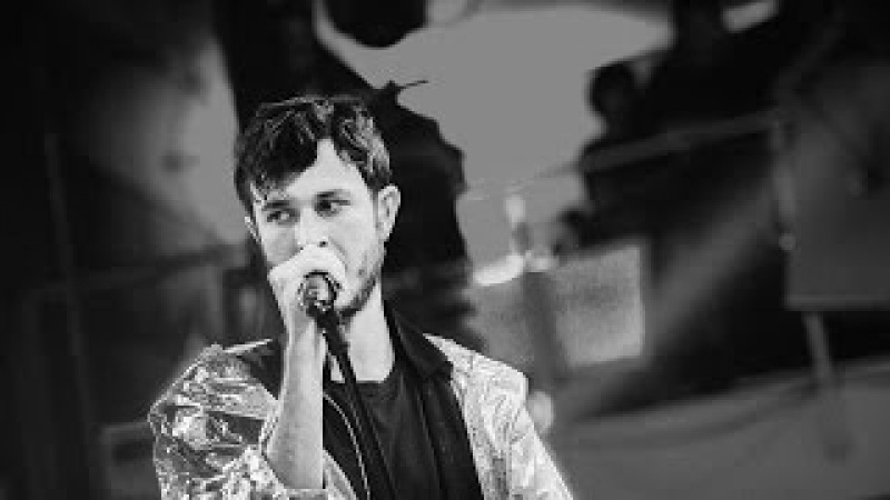 Oscar and the Wolf - Back To Black (ft. Tsar B) (live)