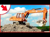 Trucks cartoon - The Excavator Loves Building - Construction Trucks Videos for kids and babies