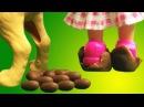 Барби куклы. Видео с игрушками для девочек. Какающие собаки во дворе. Мультик для детей. Barbie.