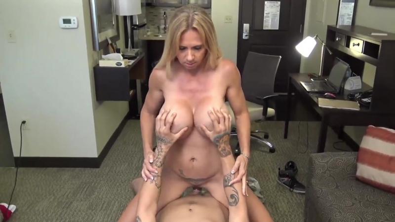 Молодой переспал с одинокой матерью, boy hot wife mom milf busty tits mature