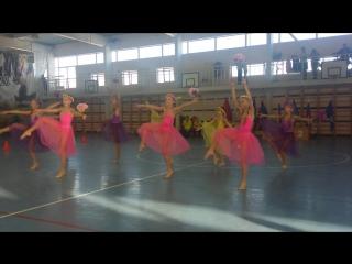 Выступление наших гимнасток на спортивном празднике «Быстрее, выше, сильнее!» 17 декабря 2016г.