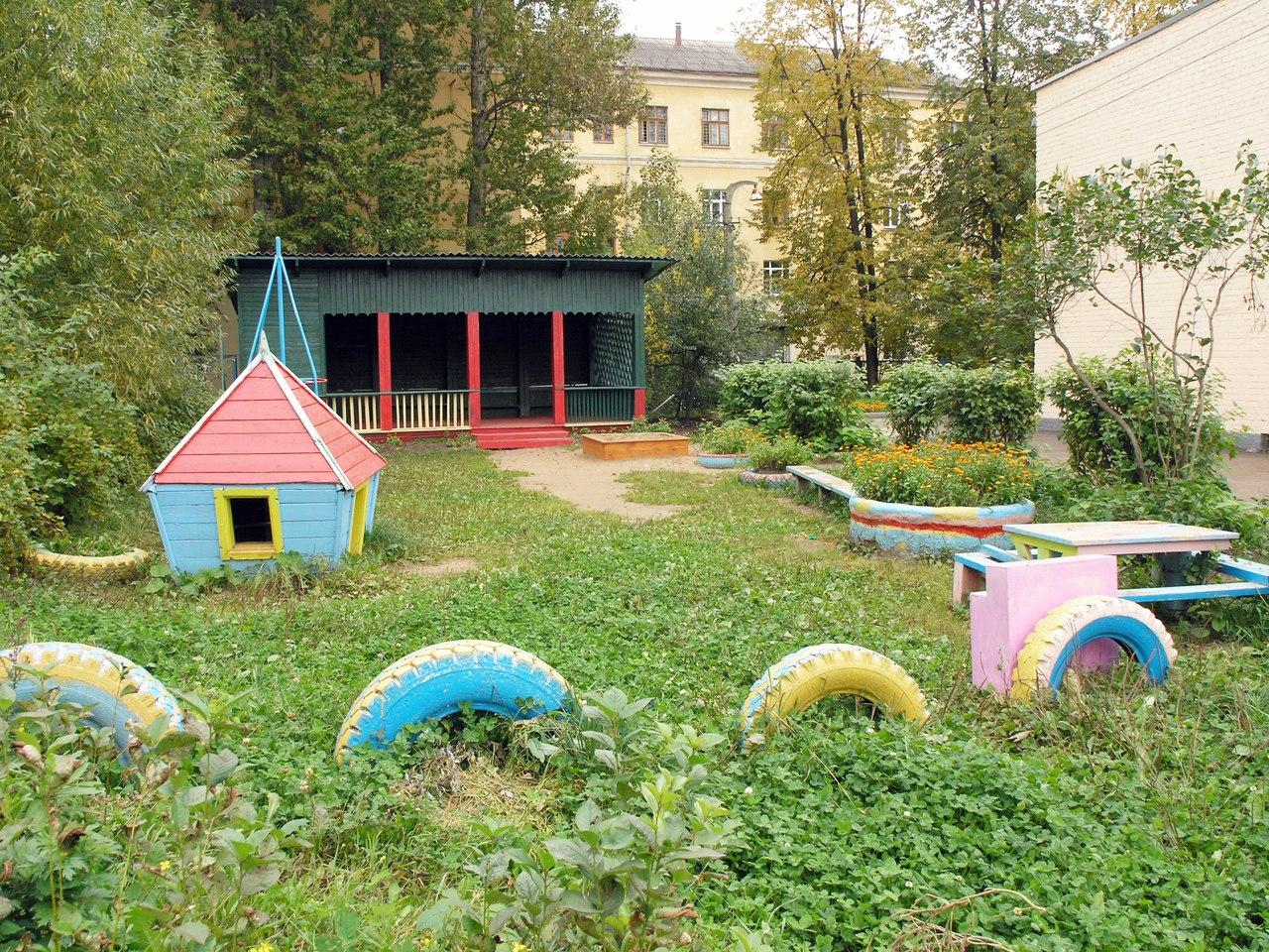 Территория детского сада №90