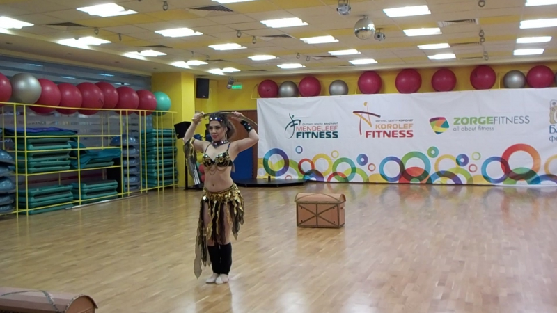 ПроэМ Элина с восточным танцем (второе место)