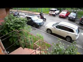Угон скутера 13 июля 2016 года по адресу Новоколомяжский 4 корп 1