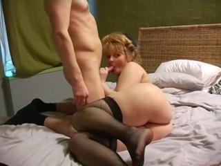 Зрелая любит анал порно фото 193-961