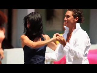 Maykel Fonts Salsa baila Cuban style Exciting Salsa !