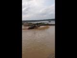 Один танк заглох от гидроудара другой танк перевернулся. Russian tank crash