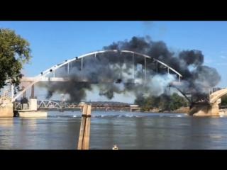 В США пытались взорвать мост, но он устоял